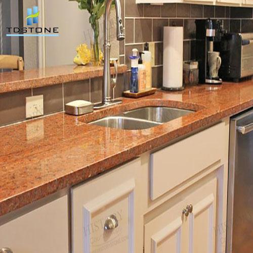 Đá granite đỏ hoa phượng làm bàn bếp