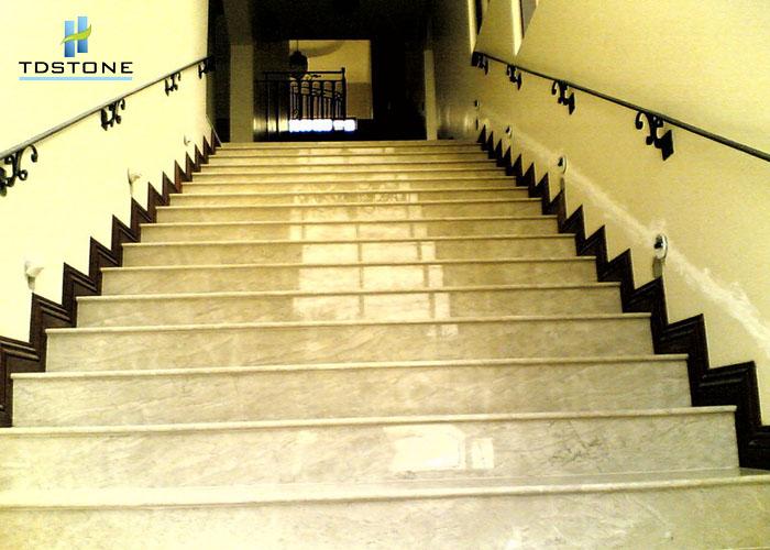 Đá ốp cầu thang Granite