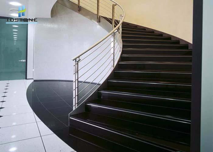 đá cầu thang đá granite đen