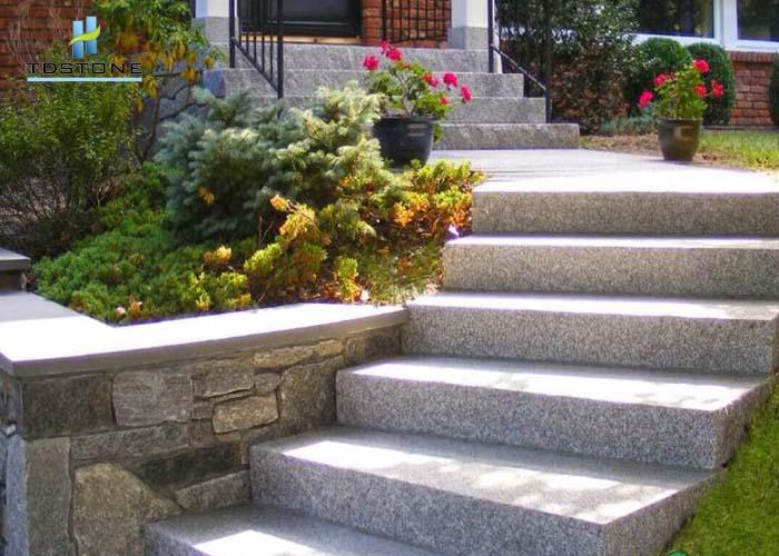 đá cầu thang đá trắng