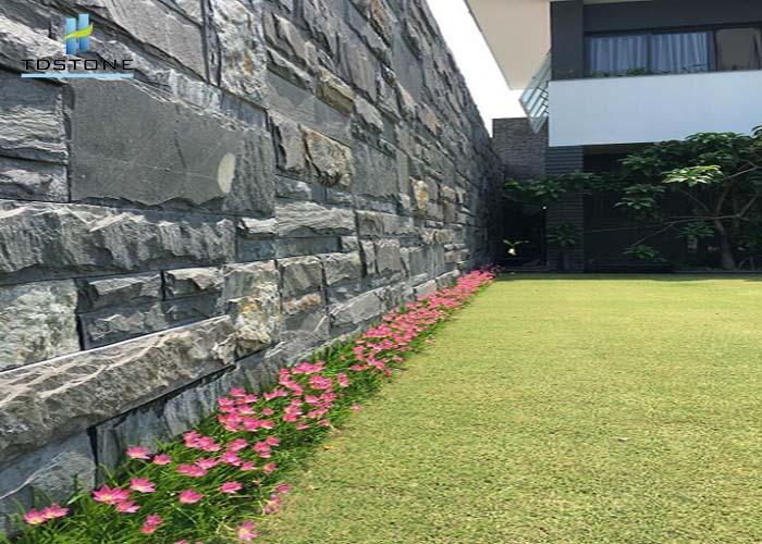 đá tự nhiên lát tường nhà