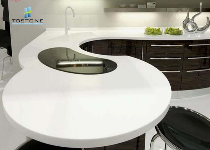 đá ốp bàn bếp nhân tạo