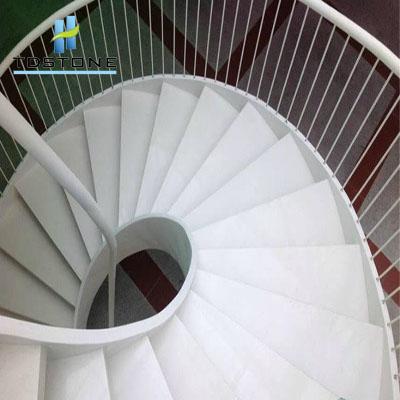 đá cầu thang màu trắng tdstone